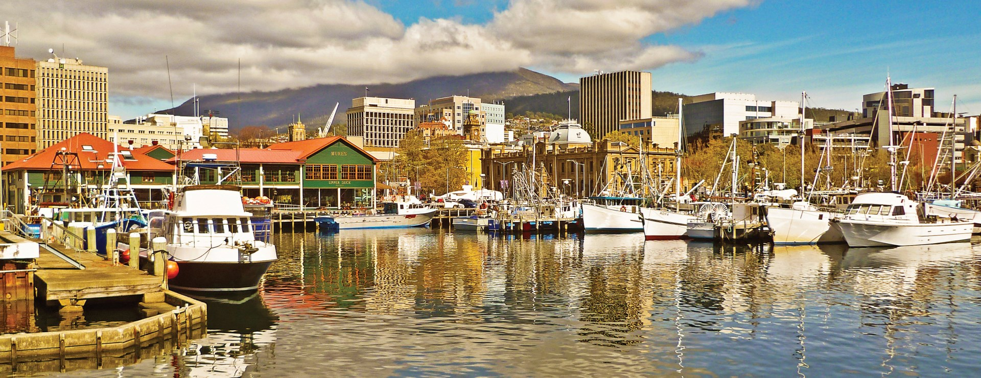 The Lodge on Elizabeth - Tourism Tasmania & Tony Crehan - Hobart Waterfront and Mt Wellington